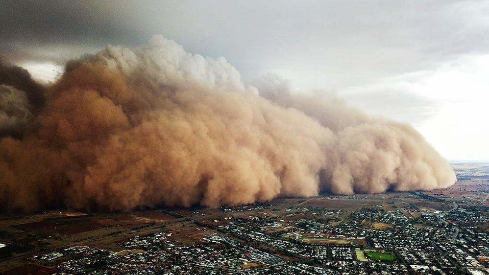 AU_DustStorm